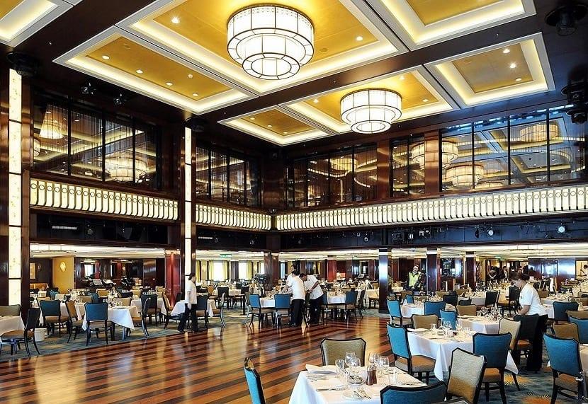 Salón de un barco crucero