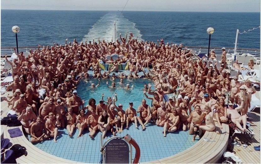Cruceros nudistas
